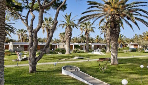 Creta_Beach_Golf_Court